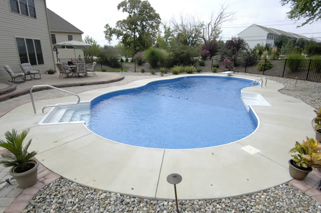 Vinyl pools atlantis pools for Vinyl swimming pool
